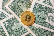 Virtual Money Golden Bitcoin O...