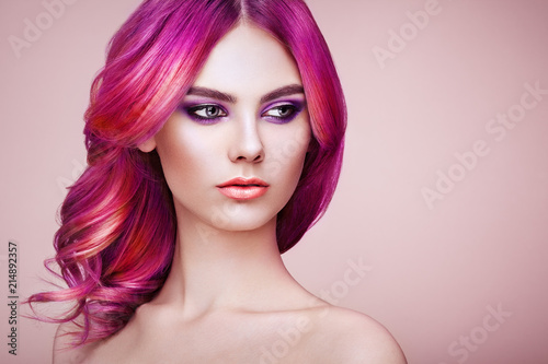 Cadres-photo bureau Salon de coiffure Beauty Fashion Model Girl with Colorful Dyed Hair. Girl with Perfect Makeup and Hairstyle. Model with Perfect Healthy Dyed Hair