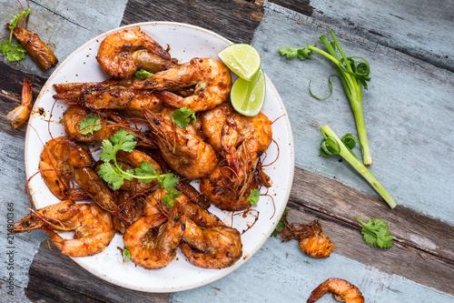 Asam Prawn ou Crevettes Grillées à la Sauce Tamarin. Plat Nyonya Malaisie