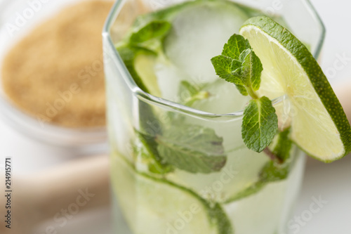 Staande foto Cocktail Cold mojito cocktail