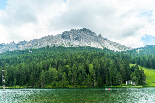 Poster Bergen Lake of Misurina, Italian Dolomites in summer. Mountain Lake. Mountains next to the lake
