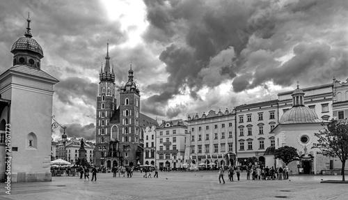 Krakau – Gewitterwolken über der Marienkirche