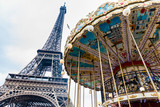 Fototapeta Fototapety z wieżą Eiffla - Carrousel and the Tour Eiffel at the end of winter