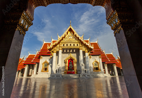 In de dag Bangkok wat benchamabophit ,mable temple most popular traveling destination in bangkok thailand