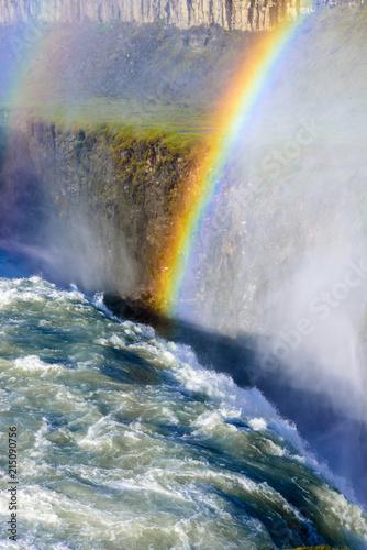 Cascada de Gullfoss con el arco iris en verano (vista de pájaro), Islandia Wall mural