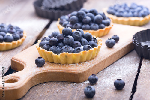 Tartlets with blueberry