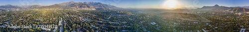 Photo  Amazing aerial views of Santiago de Chile city during the sunset with the Andes