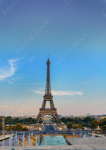 Spoed Foto op Canvas Parijs Eiffel tower during sunset