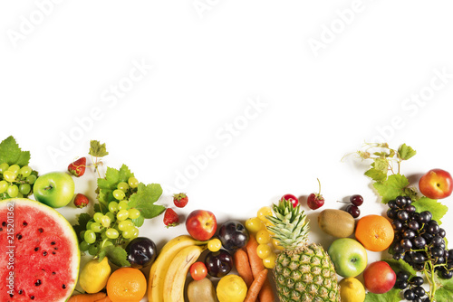 In de dag Vruchten Assorted fruits on isolated background