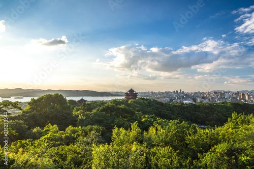 Deurstickers Blauwe hemel landscape of chenghuang temple in hangzhou china