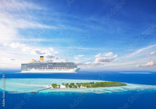 Obraz Luxury cruise boat with tropical island - fototapety do salonu