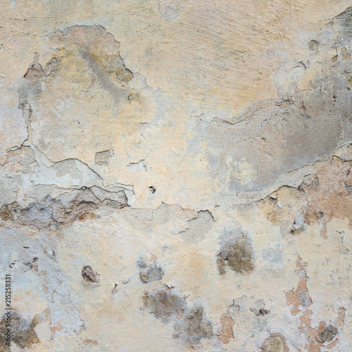 Poster Vieux mur texturé sale Old Wall With Peel Grey Stucco Texture. Retro Vintage Worn Wall Background. Decayed Cracked Rough Abstract Wall Surface.
