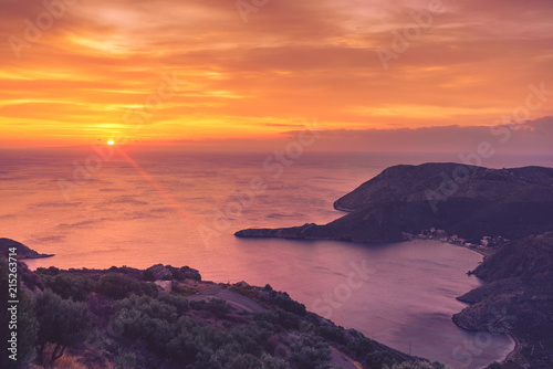 Poster Oranje eclat Greek coast at sunrise Peloponnese Mani
