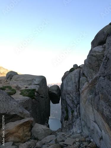 Photo Stands Mountaineering Kjeragbolten Norway