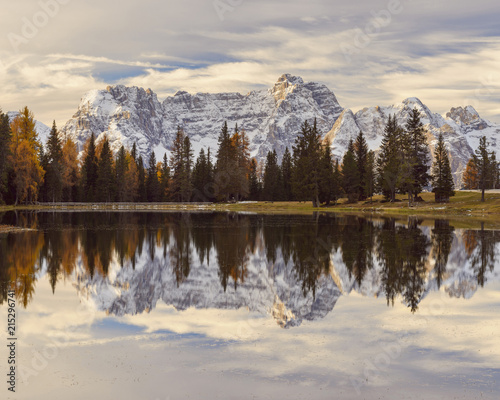 Fotobehang Bergen Morning view of the Sorapis Mountain group reflected in Antorno Lake at Misurina in Cadore, in the Ampezzo Dolomites, Italy