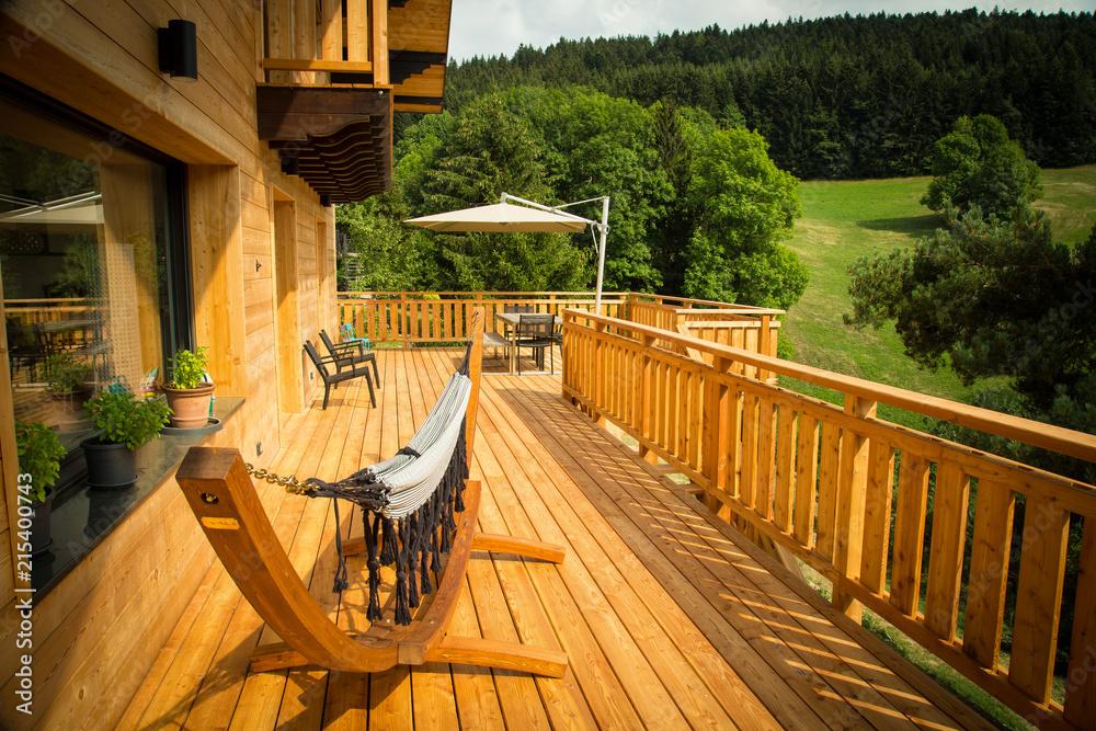 Fototapeta Terrasse de Chalet en bois