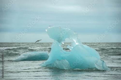 Poster Glaciers Icebergs em Jökulsárlón, um lago glaciar na Islândia