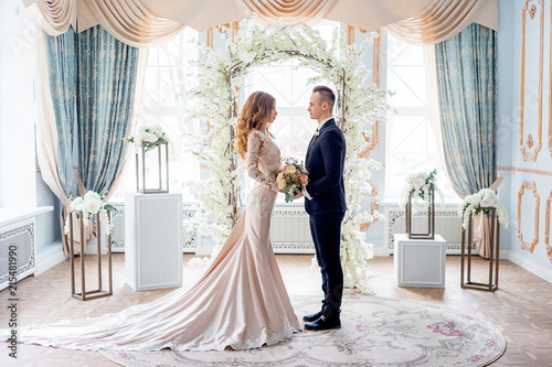 Foto wedding in a luxurious interior