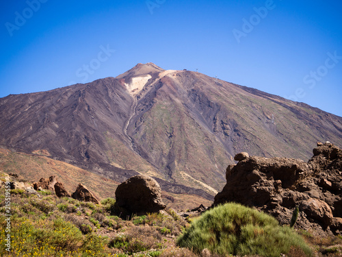 Foto op Aluminium Zalm Mount Teide is the third highest volcanic structure and most voluminous in the world after Mauna Loa and Mauna Kea in Hawaii. It is the highest peak on the Canary Islands and in the whole of Spain.