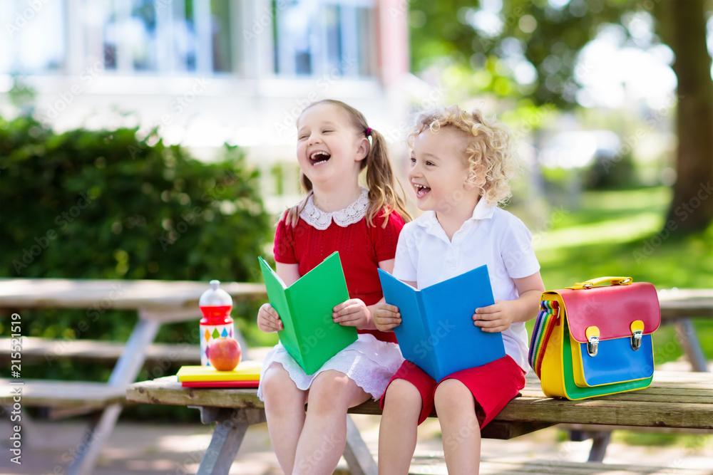 Fotografía Children going back to school, year start