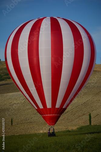Poster Ballon Mongolfiera a terra