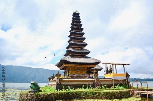 Fotobehang Bedehuis Pura Ulun Danu Bratan, the Exotic Balinese Style Temple, in Bali, Indonesia