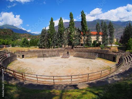 ville de susa dans le piémont en italie, amphitéathre romain Fototapeta