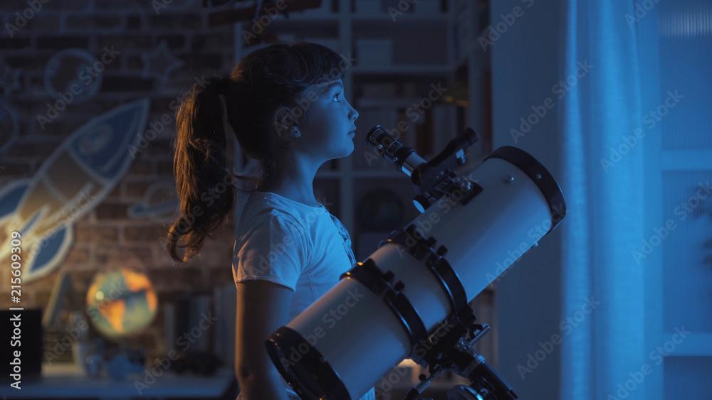 Fototapety, obrazy: Cute girl stargazing at night