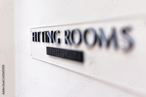 Closeup of Fitting Room sign in mall store shop retail clothing changing door en Fotobehang