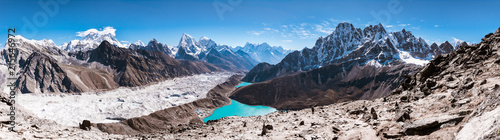 Foto auf Gartenposter Rosa dunkel Panoramic view of Himalayan Mountains from Gokyo Ri (5,360m) with Gokyo Lake, Everest, Nuptse, Lhotse, Phari Lapcha and More, Gokyo, Sagarmatha national park, Everest Base Camp 3 Passes Trek, Nepal
