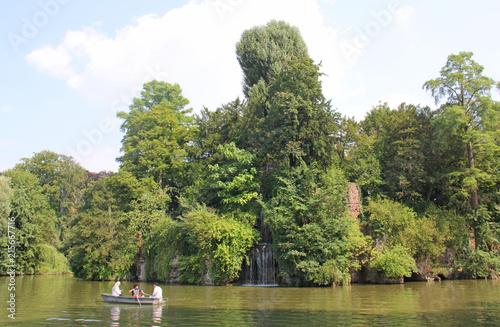 Lac du parc de l'Orangerie à Strasbourg Alsace France #215667716