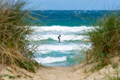Fotografiet  Surfing woman