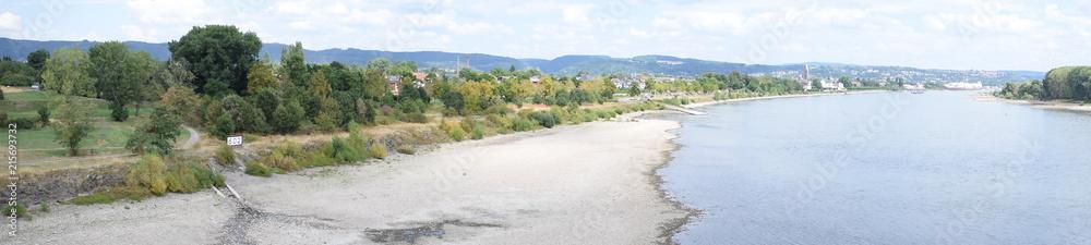 Fotografie, Obraz Rhein bei Niedrigwasser