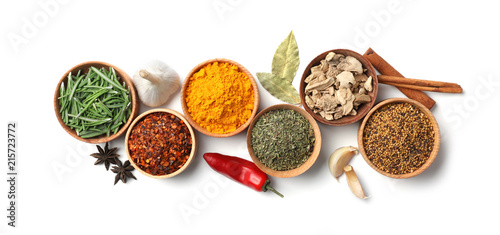 Canvastavla Beautiful composition with different aromatic spices on white background