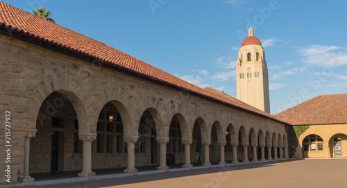 Photo Panorama view Hover Tower at Stanford University, Palo Alto, California at sunse