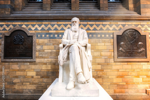 Canvas Print Sir Charles Darwin statue at the Natural History Museum in London, UK