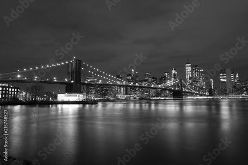Foto op Canvas Brooklyn Bridge Brooklyn Bridge at night, black and white