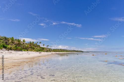 Staande foto Oceanië Low tide reef at midday in Fiji