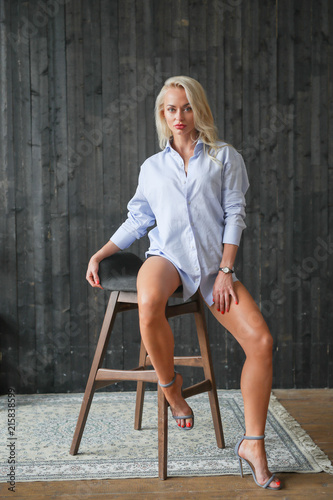 Poster  Woman in blue shirt