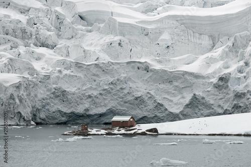 Fotobehang Antarctica Almirante Brown Station, Argentine Antarctic Base And Scientific Research Station, Paradise Harbor, Danco Coast, Antarctica