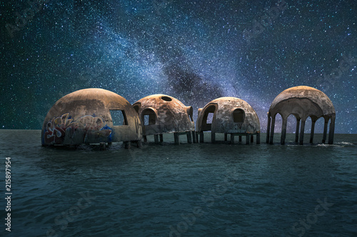 Poster Ruine Milky way stars across a night sky over the Cape Romano dome house