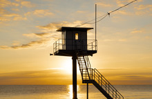 Rettungsturm Am Strand - Sonne...