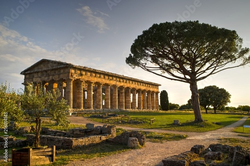 Poster Athene The ancient ruins of Paestum