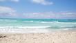 Sandstrand Meer und Sonnenschein Trauminsel in 4K