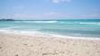 Sandstrand und Meer Traumlandschaft in 4K