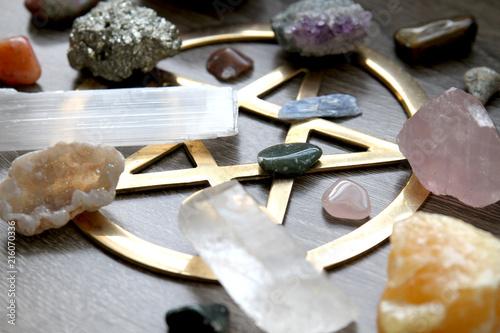 Plakát  Pentagram and Crystals