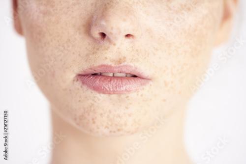 Obraz Close up of natural beauty's mouth - fototapety do salonu