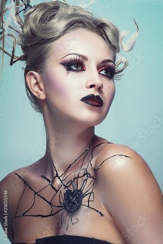 Photo  spider queen vintage