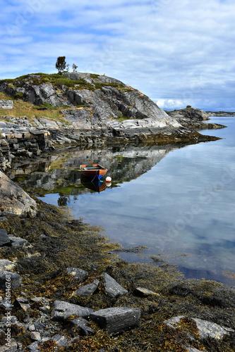 Fotobehang Grijs Beautiful landscape on the coast of famous Atlantic Ocean Road - Atlanterhavsveien , More og Romsdal county, Norway.