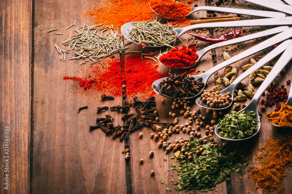 Fototapety, obrazy: Most popular condiments, spices and seasoners